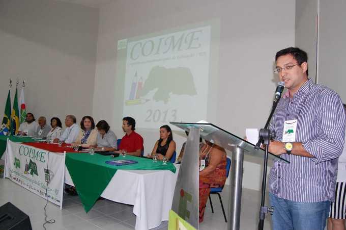 Pronunciamento do secretário de educação, Rodrigo Aladim