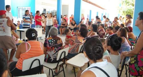 Prefeito se reúne com pais de alunos na Escola Ednor Avelino