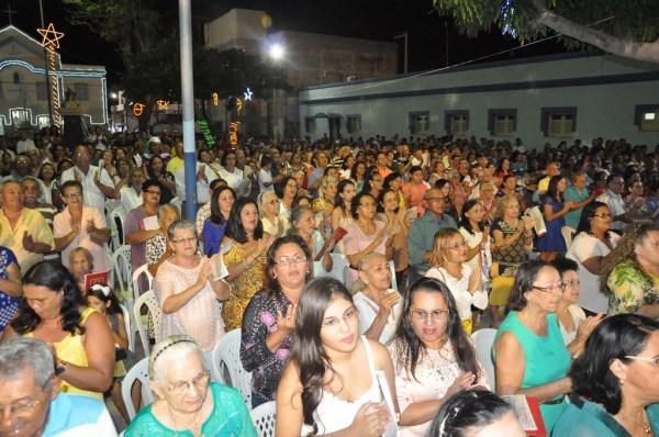 Grande número de fiéis participaram da celebração de ano novo