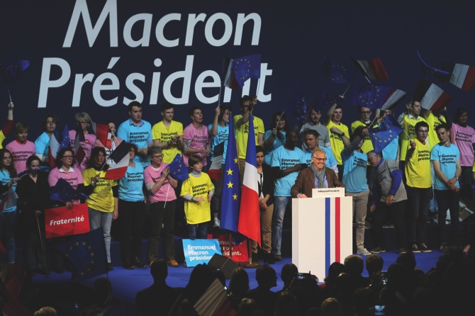 Le Pen outstrips father into France's political inner circle