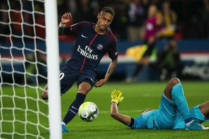 FC Barcelona to sue Neymar