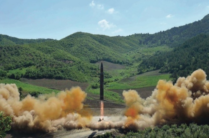 Airline Crew Says They Saw North Korean Test Missile Re-Enter Atmosphere