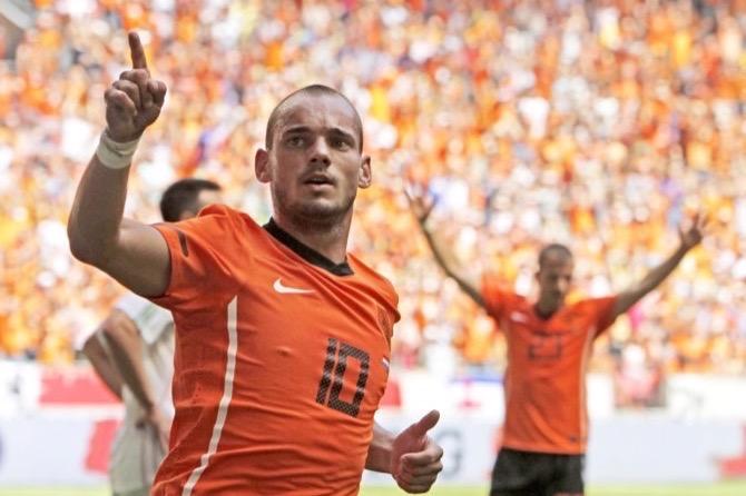 Wesley Sneijder ends worldwide career