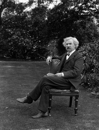 Mark Twain în gradina sa - cca 1900