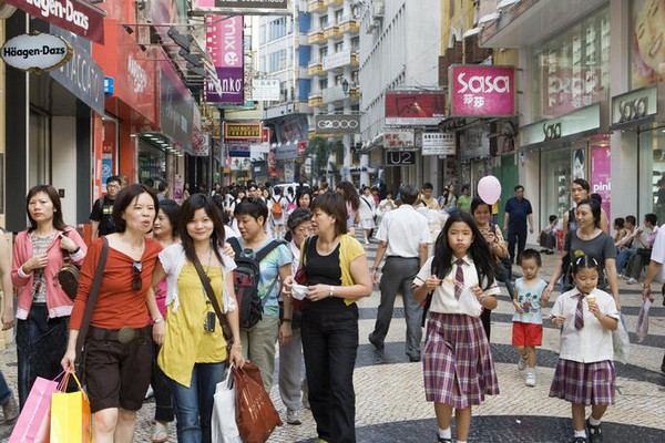 Locals are upbeat about economy but downbeat about home purchases: survey