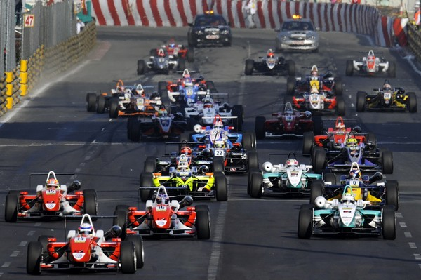 GP requires all cars to pass noise test to race
