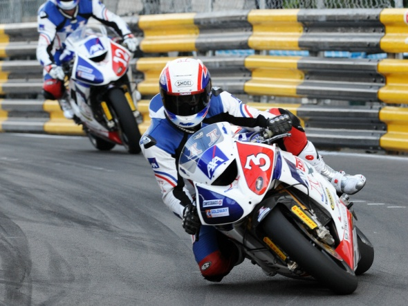 Rutter leads from the front in Macau Motorcycle Grand Prix