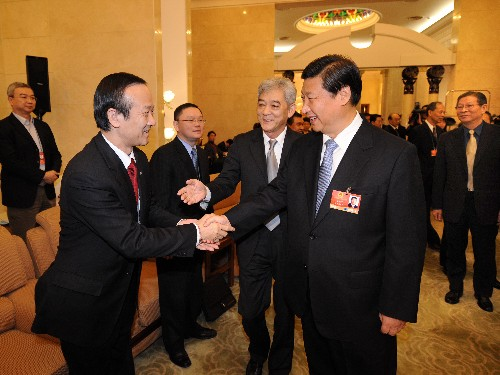 "Vice President Xi urges Macau to ""control"" gaming industry's development"