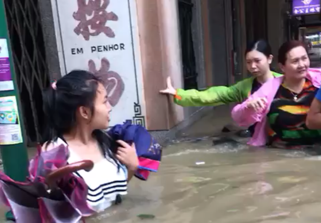 Total chaos in Macau as typhoon Hato hits