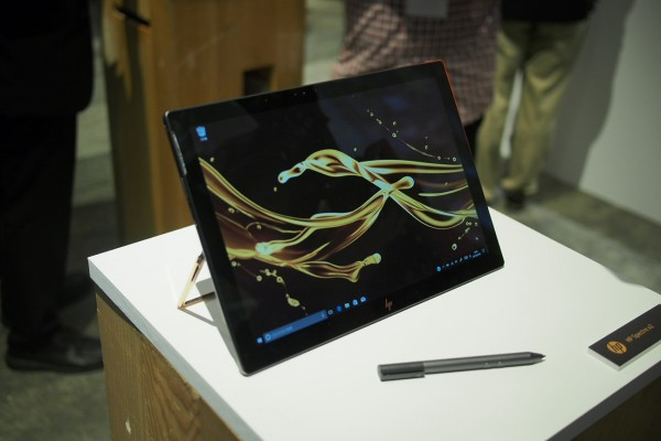 HP Spectre X2を実機レビュー!至高のラグジュアリー感を誇る最強の2in1タブレット
