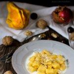 Gnocchi di zucca con gorgonzola e noci - ricetta