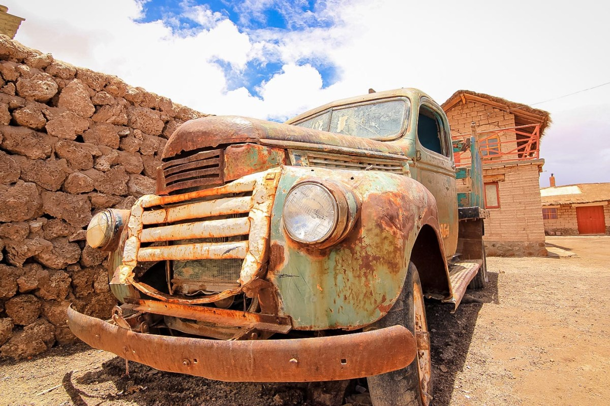 An abandoned truck in the Atacama Desert in Bolivia