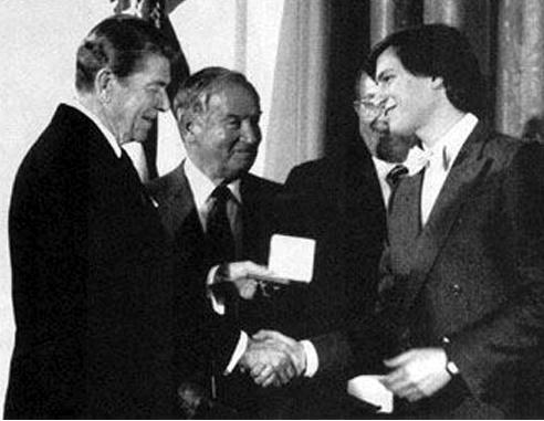 U.S. President Ronald Reagan awards Steve Jobs the 1985 National Medal of Technology