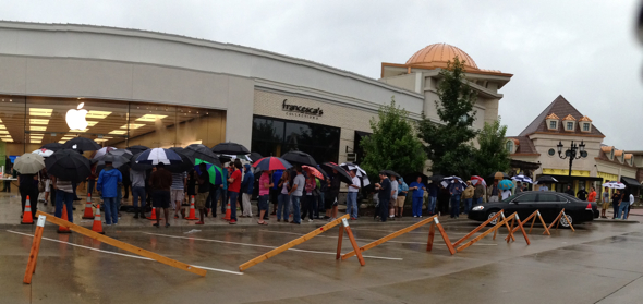 Apple Store The Promenade at Chenal, Little Rock, Arkansas - 10:23am local