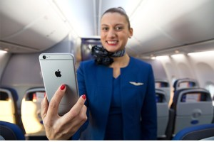United Airlines will equip more than 23,000 flight attendants with Apple's iPhone 6 Plus.