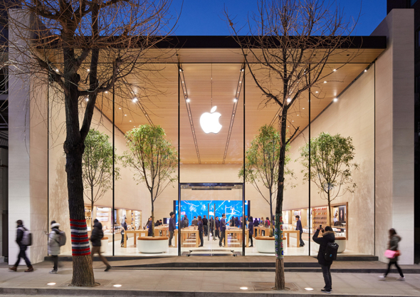 Apple Garosugil brings Apple's products, in-store programming and services together for South Korean customers to experience for the first time.
