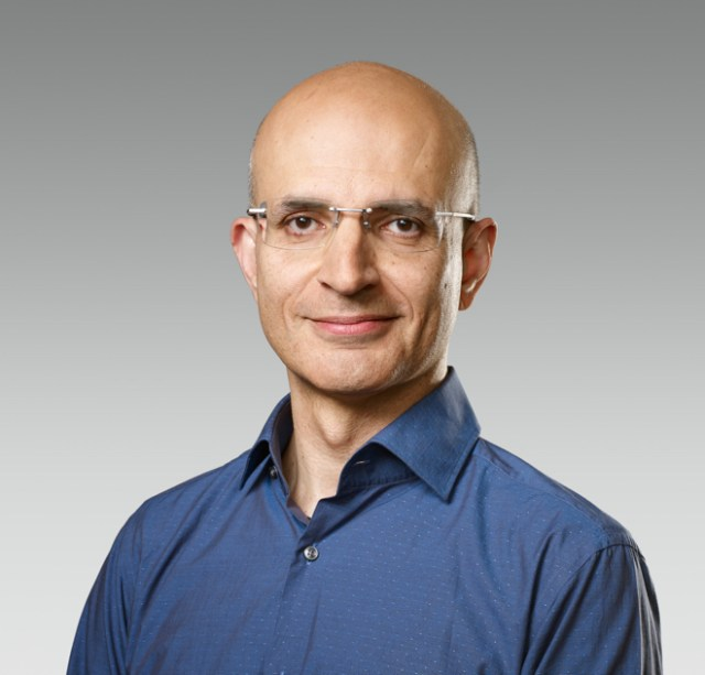 Sabih Khan, a 24-year Apple veteran, will lead Apple's global supply chain as senior vice president of Operations.