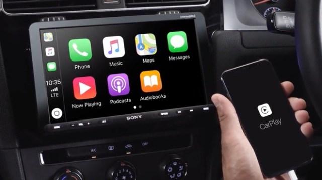 Sony XAV-AX8000 with CarPlay