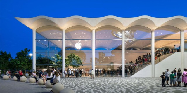 Apple Aventura. Image © Nigel Young, Foster + Partners