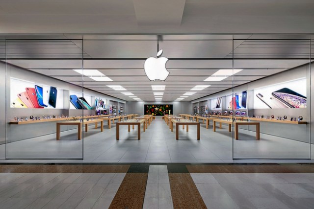 Apple stores in Italy. Image: Apple Oriocenter