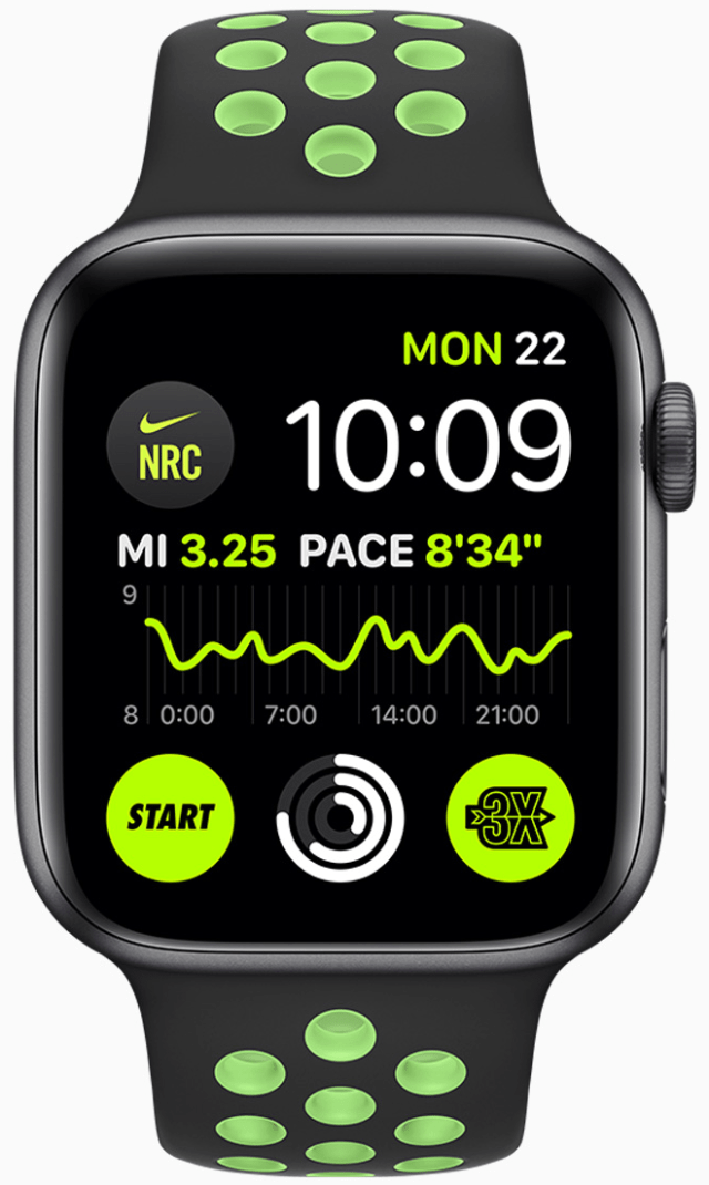 Nike Run Club can display multiple complications including pace from the previous run and latest achievement earned.