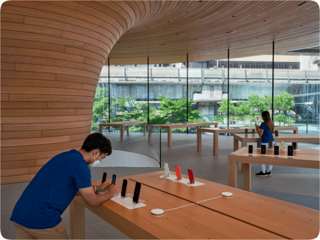 More than 130 new team members speaking 17 languages will welcome visitors to Apple Central World.