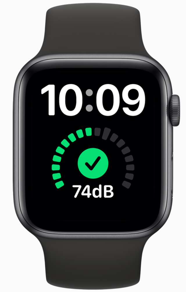 An X-Large face shows the time and a rich complication with a glance at the Apple Watch in watchOS 7.
