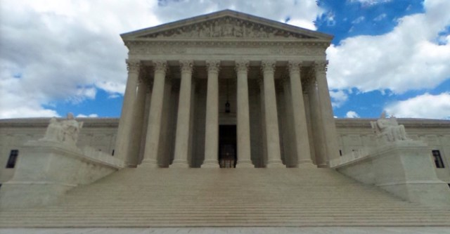 U.S. Supreme Court to rule on constitutionality of patent tribunal used by Apple