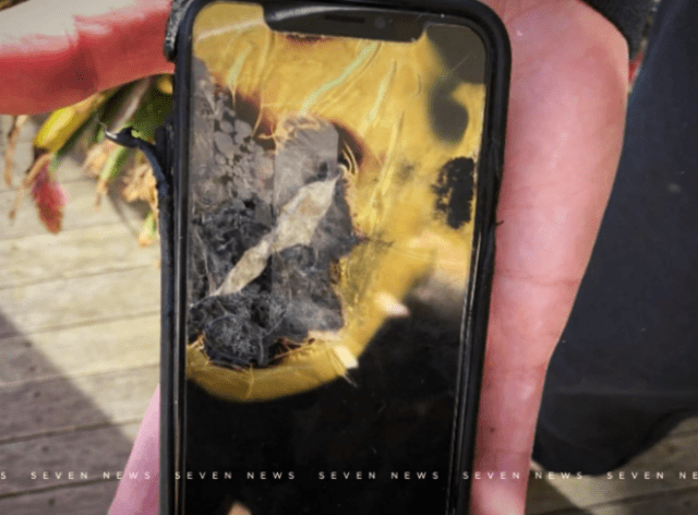 Australian man sues Apple after his iPhone X explodes in his pocket (photo: 7NEWS)