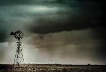 iconic australia_welcome rain.jpg