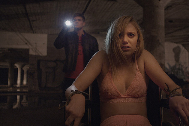 It Follows Movie Still 1