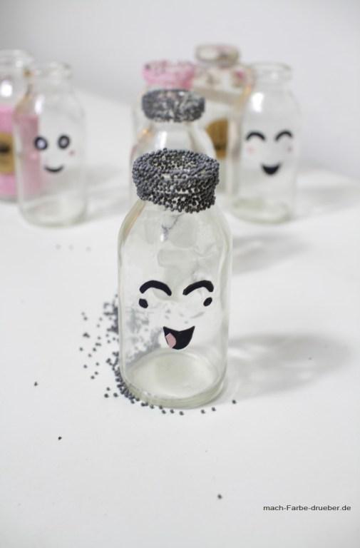 Marshmallowcreme in süßen Mini Milchflaschen