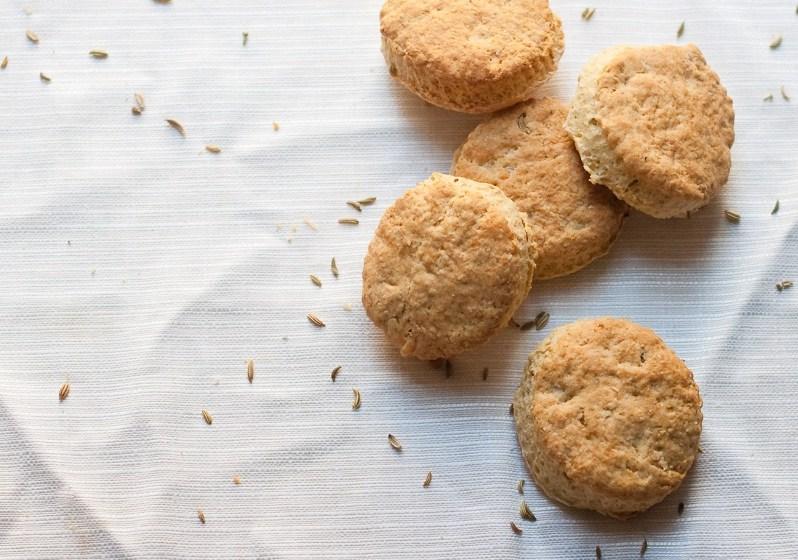 scones-semi-finocchio-cheddar-formaggio