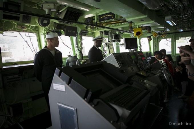 掃海艦パトリオットシップツアー操舵室写真