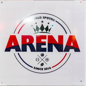 本格的スポーツバー、ARENA