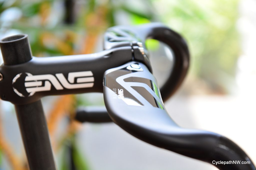 Aero road drop handlebar