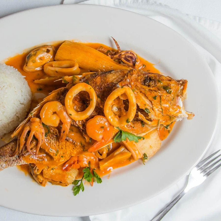 red snapper dinner seafood sauce