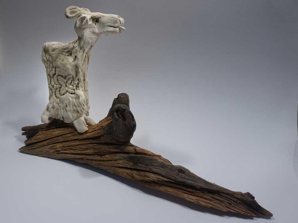 Ziege - Keramik auf Holz IM SHOP KAUFEN