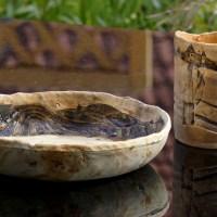 Schale und Vase mit kleiner Landschaft