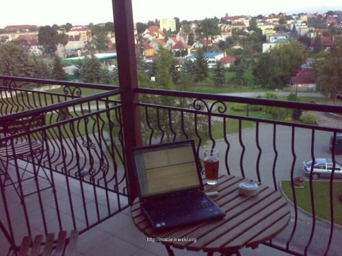 Czwarty balkon i panorama Kętrzyna z hotelu Agros.