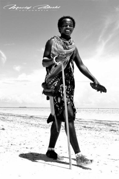 Zanzibar-Masajowie-Masajki-Ocean-Owoce-warzywa-plaża-ludzie-Małpka-Fot.Macie-15