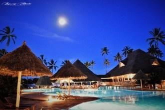 Zanzibar-Masajowie-Masajki-Ocean-Owoce-warzywa-plaża-ludzie-Małpka-Fot.Macie-35