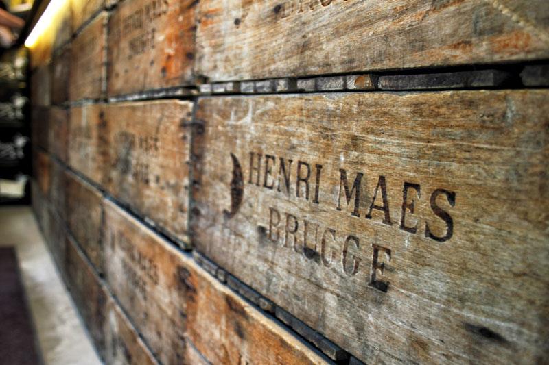 Bruges, Beer, Henri Maes, Beer pipeline, case