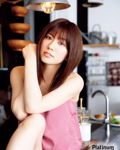 AKB48チーム8 清水麻璃亜が初ソログラビア