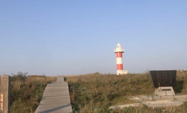 石狩灯台、遊歩道からは行けない、隠れた小路から行く