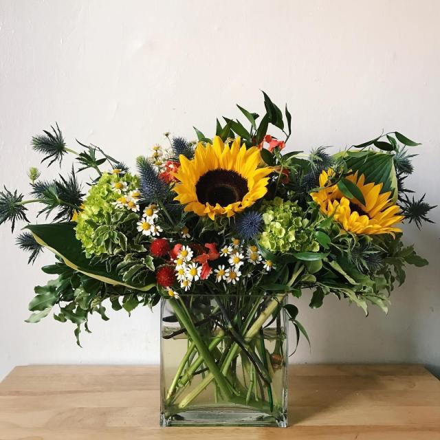 GUYS! I am a budding floral designer I MADE THIShellip