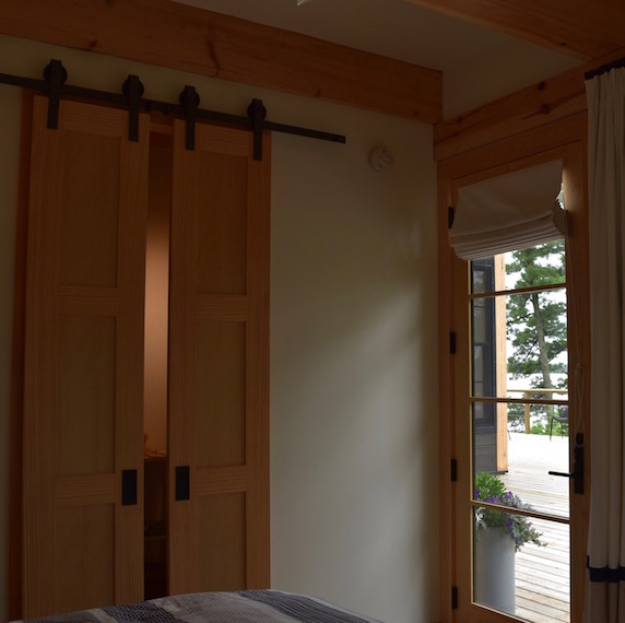 Bedroom Lake of the Woods MacKneson Design Inc