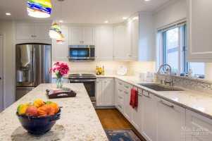 Windermere Quartz Island MacLaren Kitchen and Bath
