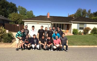 Grupo do MM Tour 2013 na garagem da Apple