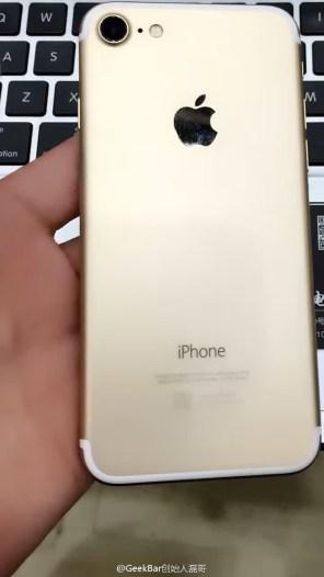 """Suposto protótipo do """"iPhone 7"""""""